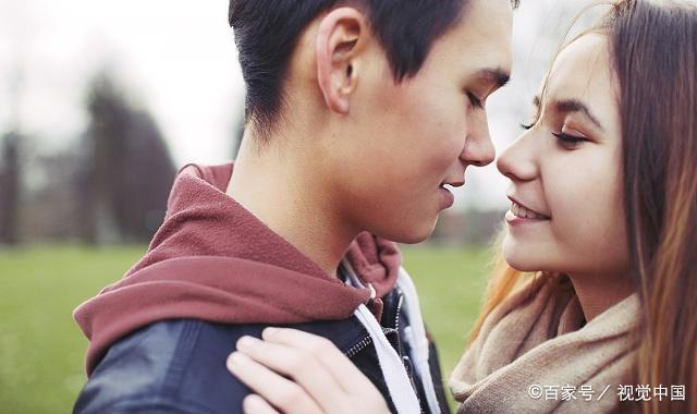 怀化情侣交往的时候怎样的感情才算爱,爱是是什么